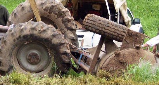 Imagen de archivo de un accidente con un tractor