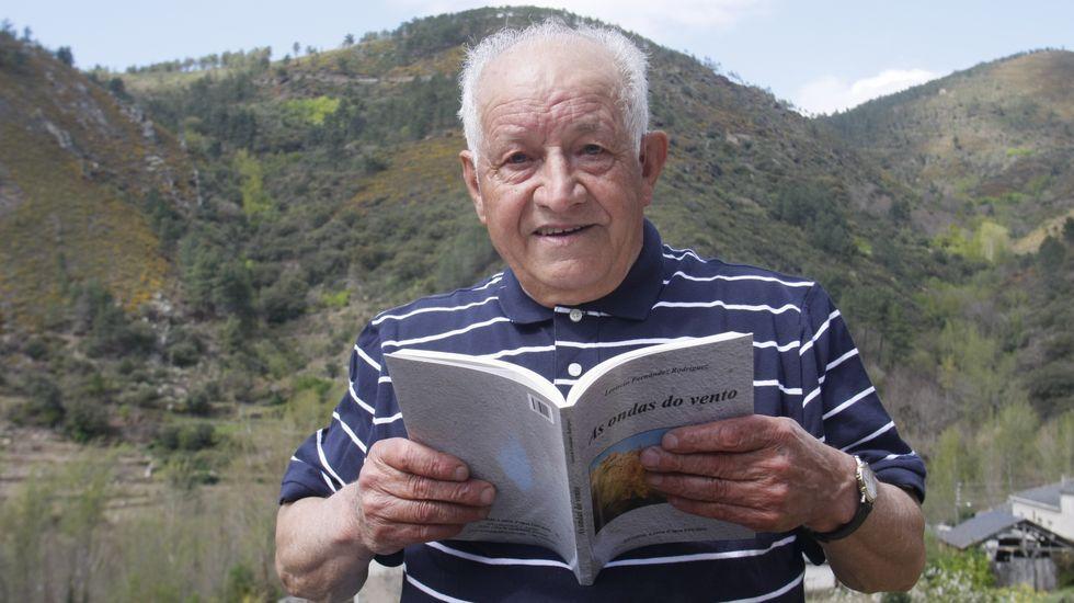 «Ricardo Carvalho Calero. Escritor e profesor, galego cabal».Leoncio Fernández, en una foto del 2009, cuando publicó su poemario «As ondas do vento»
