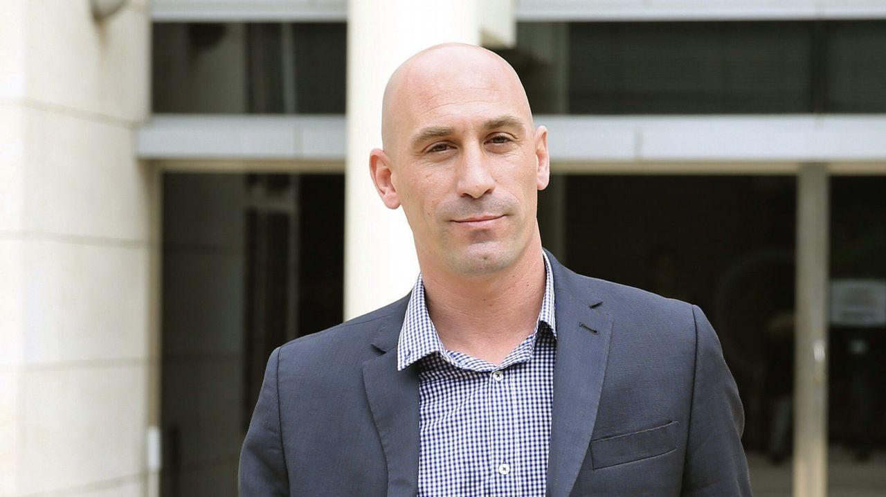 Jordi Pujol Ferrusola sale de prisión tras pagar medio millón de euros de fianza.Centro penitenciario de Asturias