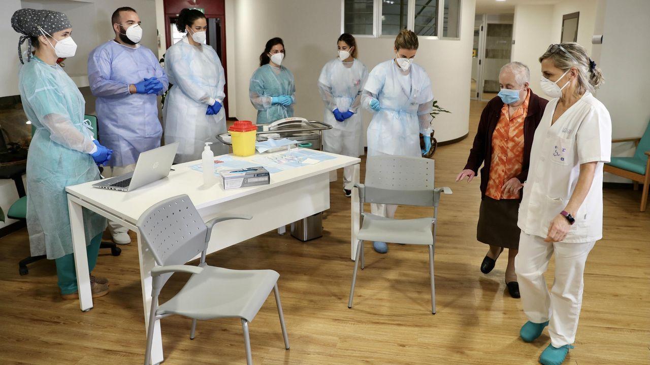 Primeras vacunas de Pfizer aplicadas en Asturias