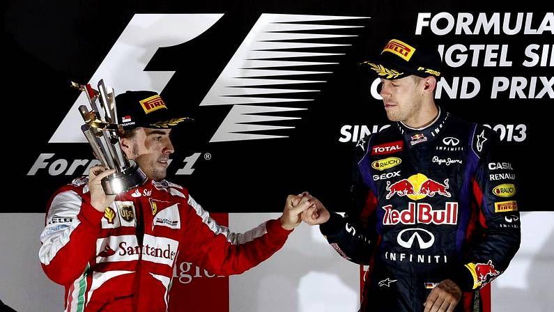 Vettel y Horner, en el podio de Singapur