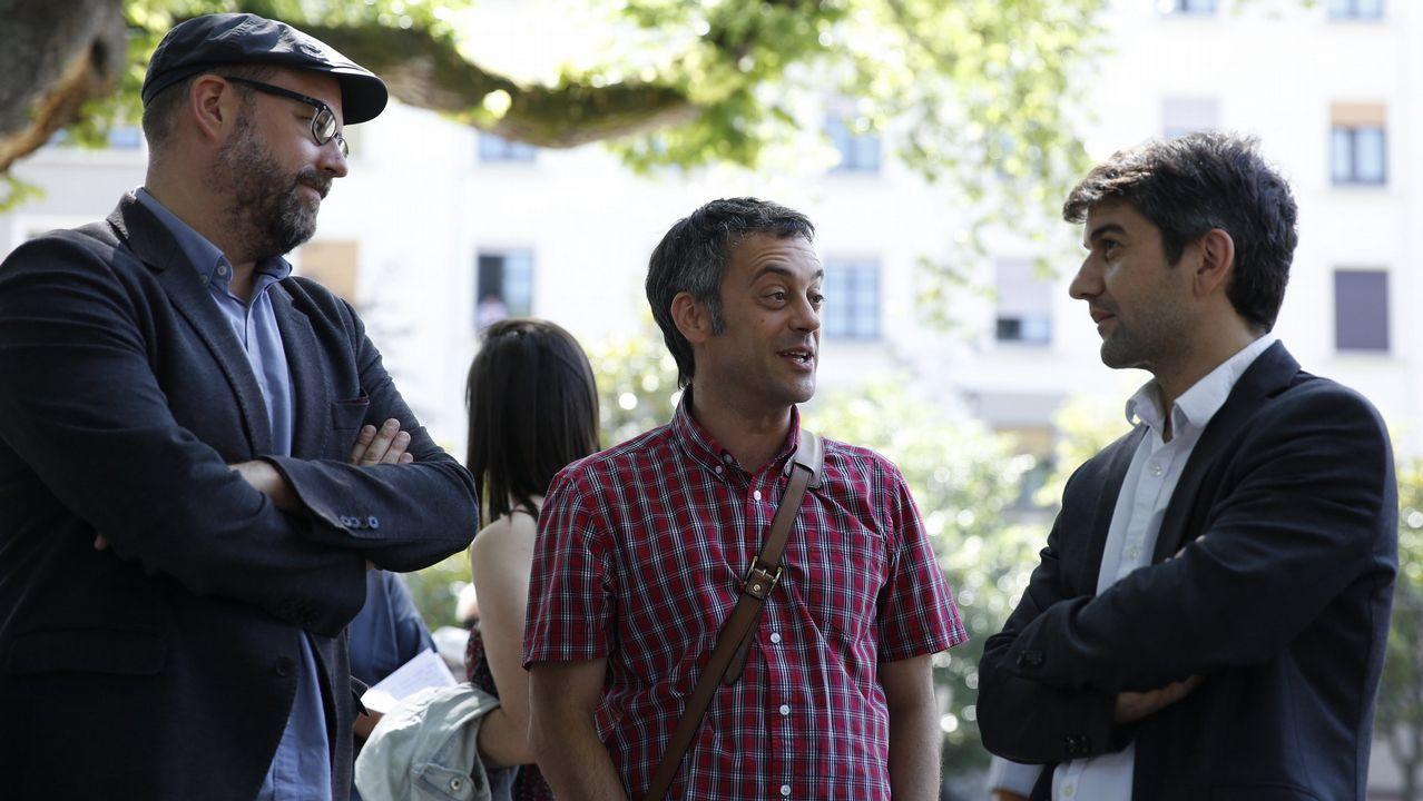Villares lamenta el voto a favor de las cuentas de cuatro diputados de En Marea.Los trabajadores de Vulcano en una protesta a finales de enero