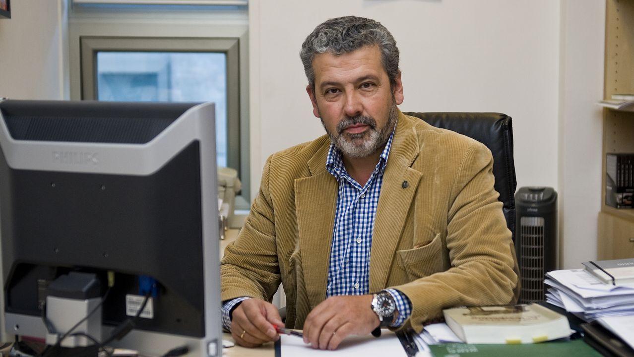 «En la crisis del Prestige nos llegaban caso 50 aves al día repletas de fuel».Félix Blázquez, experto en márketing. Hablará de la iluminación navideña.