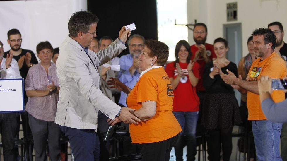 Entrevista a Xavier Vence en «Vía V».Xosé Manuel Carril en la sede del BNG en la noche electoral.