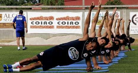La concentración de Monforte sirvió a Fernando Vázquez para afinar la puesta a punto de su plantilla, pero con los refuerzos tendrá que acelerar la adaptación.