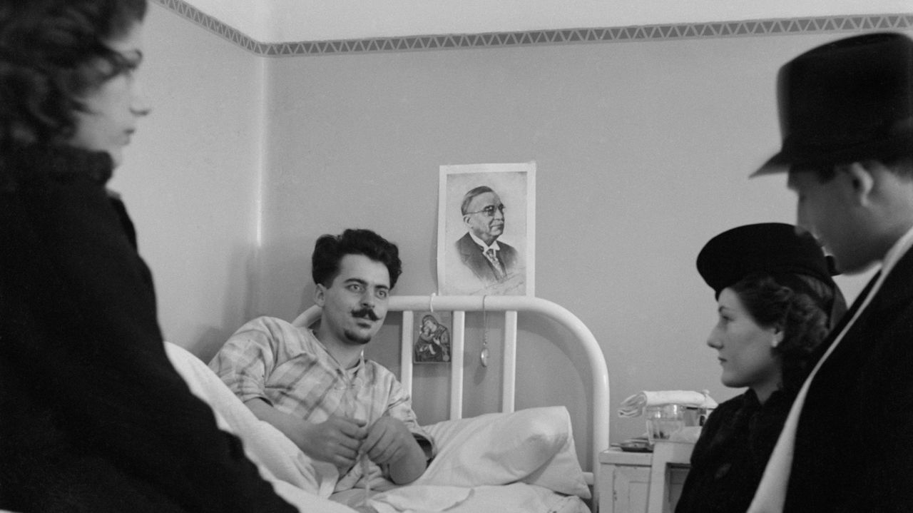 Un ejemplo de fotografía humanitaria, con los heridos como protagonistas