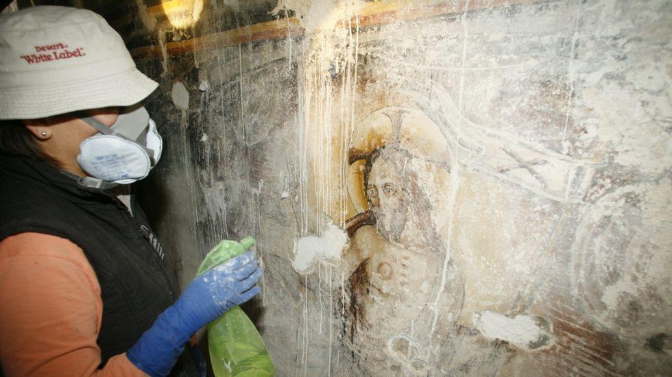 Unha grande parte dos murais estaba oculta por camadas de cal, como sucede en moitas outras igrexas