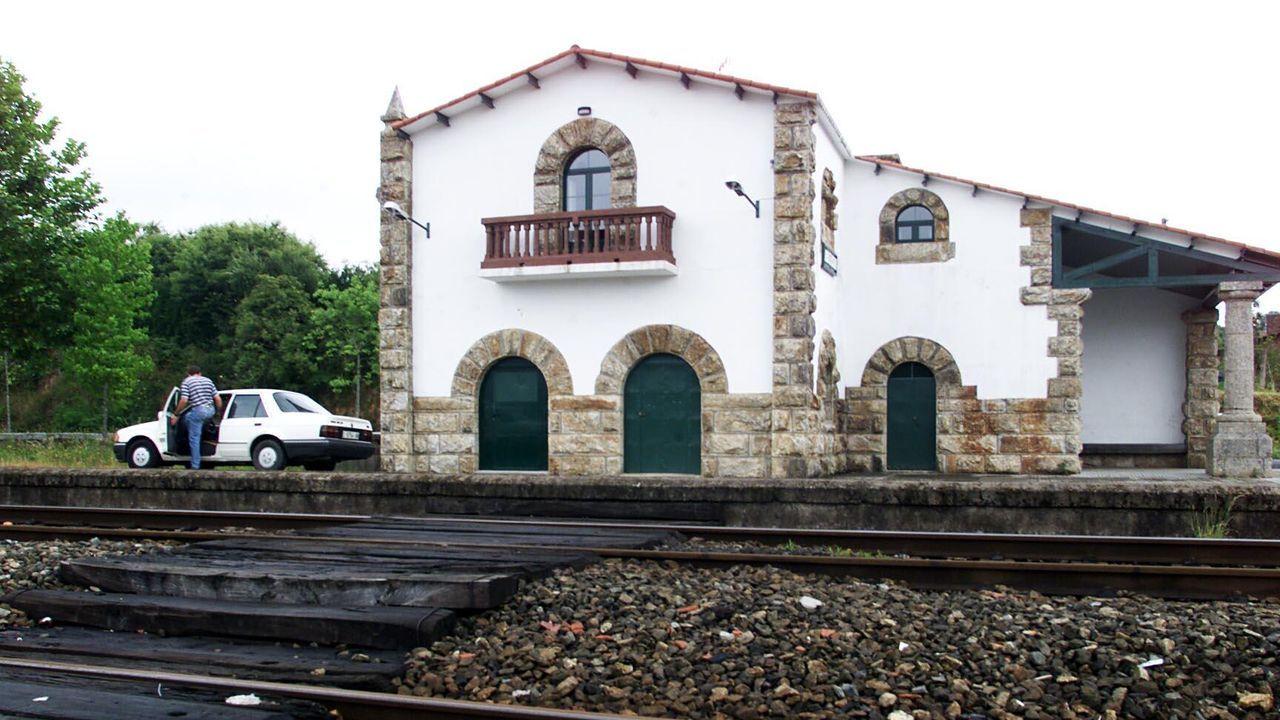 Homenaje a las víctimas del accidente de tren de Angrois.La suspensión de servicios por la crisis sanitaria se dejó sentir en la estación de Monforte