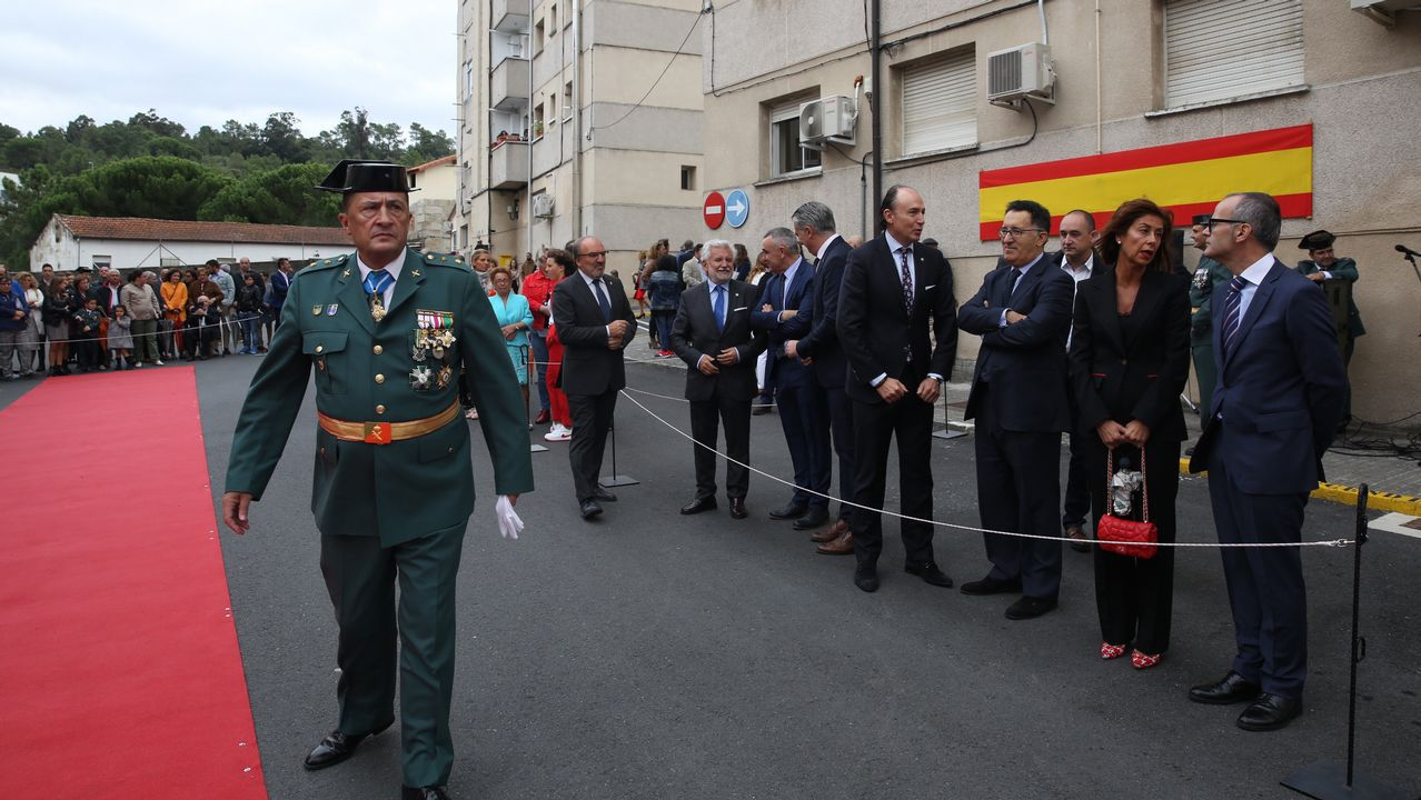 ACTO INSTITUCIONAL CASTRENSE DEL DÍA DEL PILAR EN OURENSE.El teniente coronel, Manuel Novo, ante las autoridades