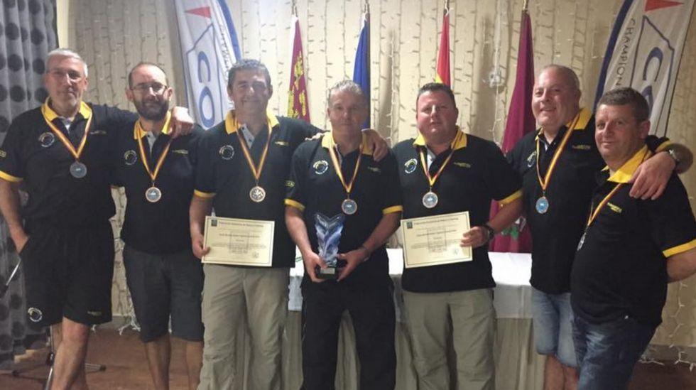 El equipo del Club Rio Mar, bronce en el Campeonato de España de mar costa representando a Galicia