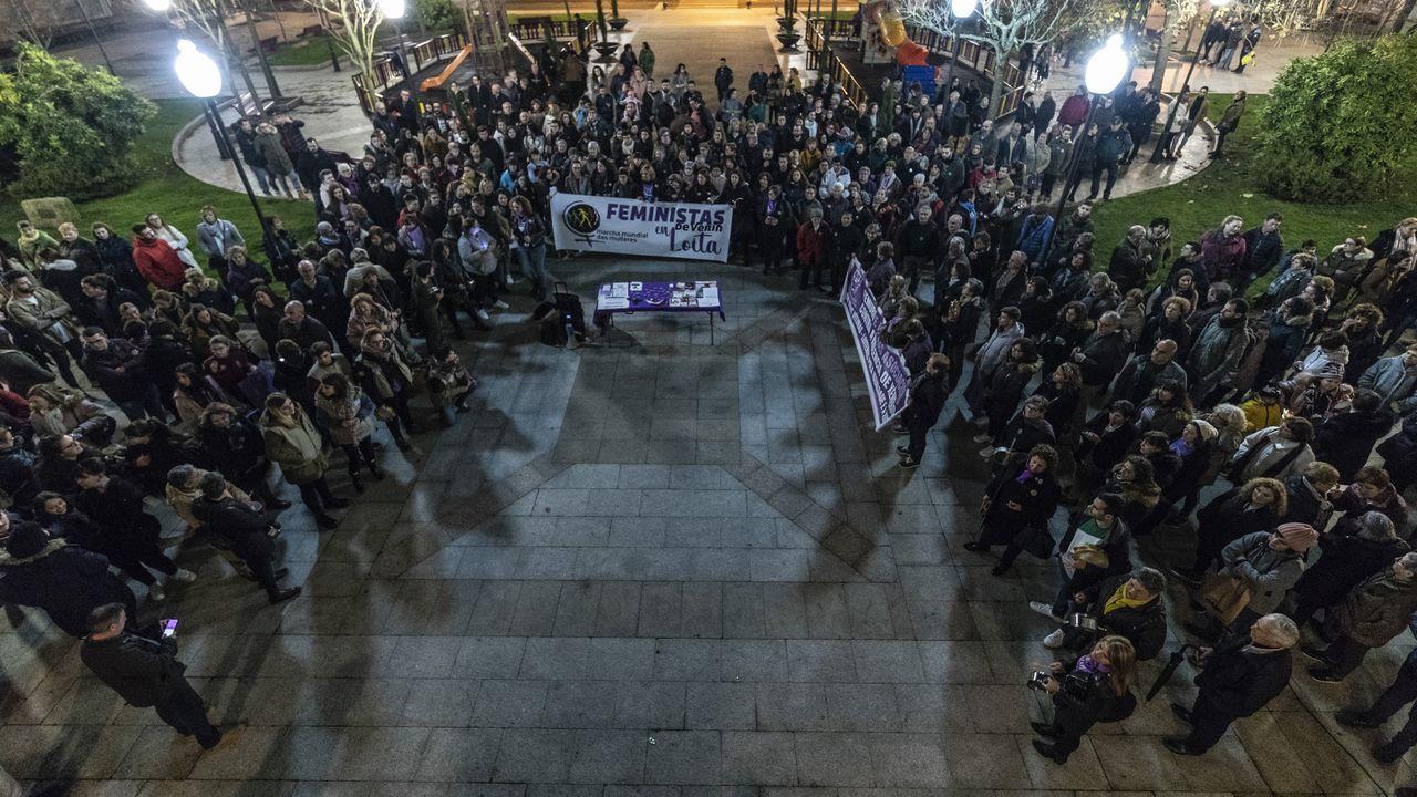 Ourense contra la violencia machista.En Verín también se manifestaron este 25-N