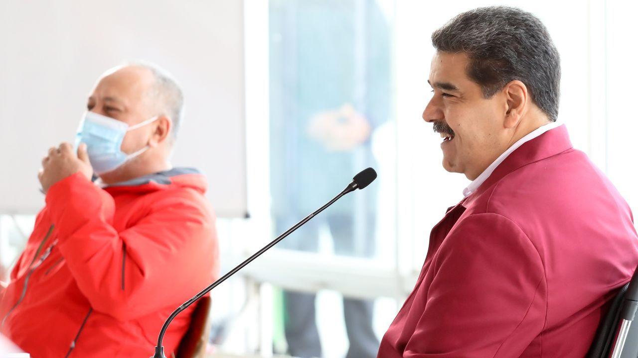 Nicolás Maduro, en primer término, junto al número dos del chavismo, Diosdado Cabello