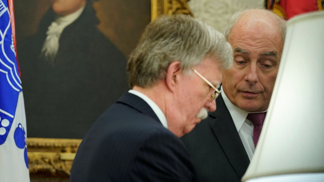 John Kelly y John Bolton