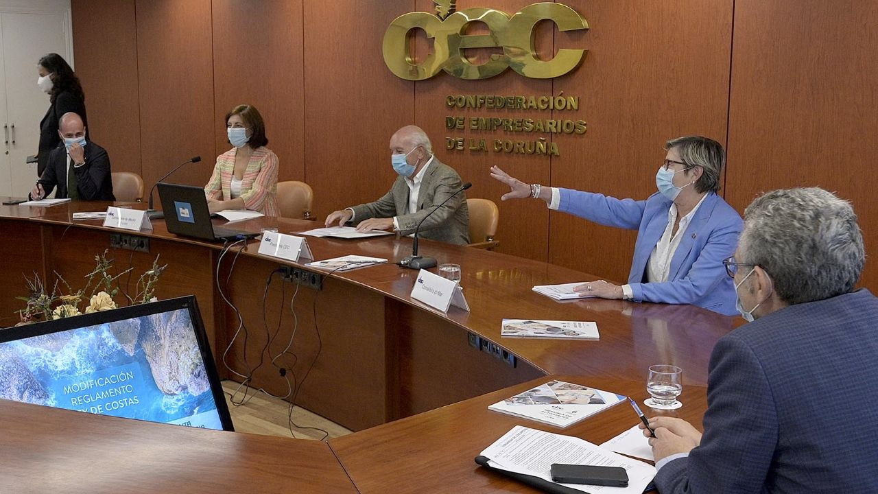 Rosa Quintana y Ángeles Vázquez mantuvieron una reunión con representantes de conferencias empresariales