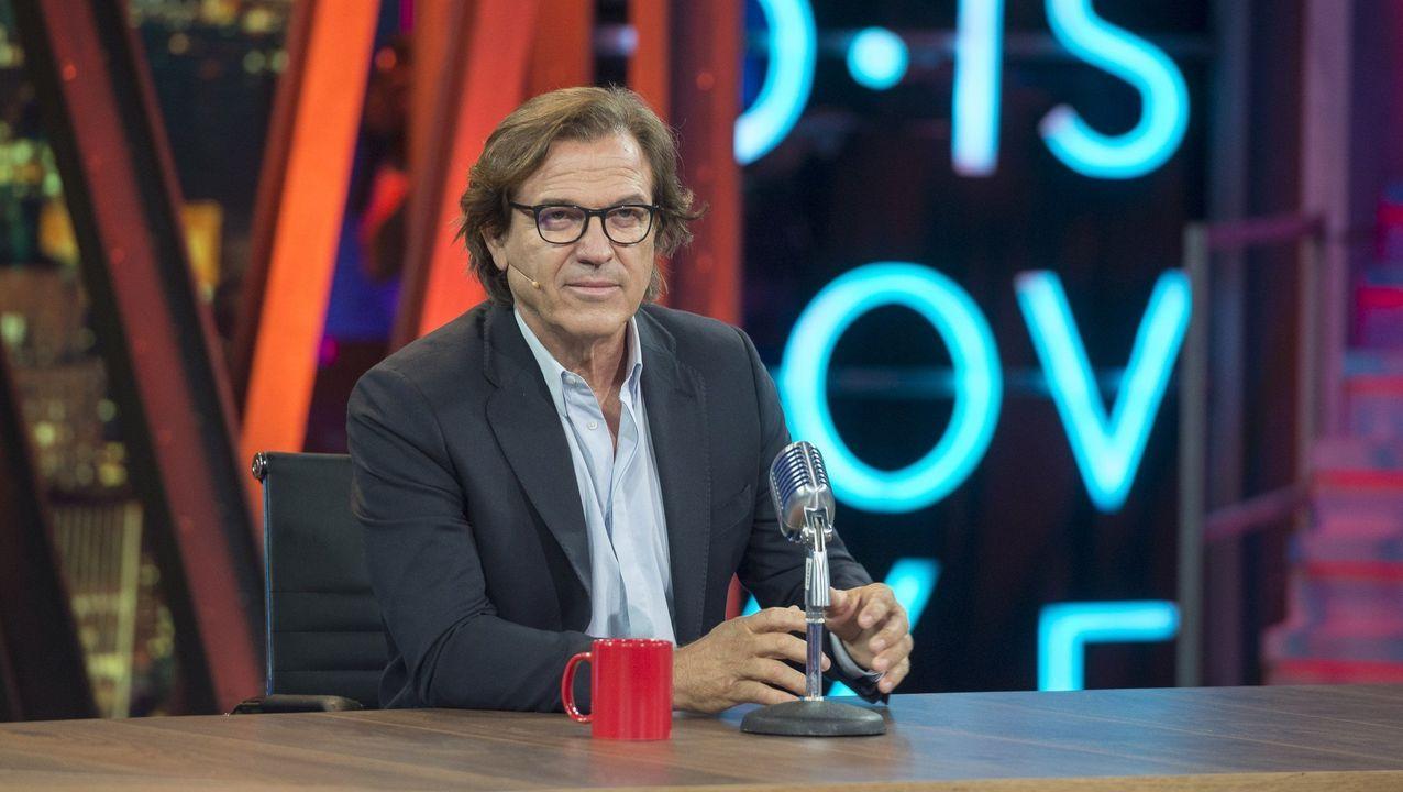 La empresa familiar homenajea a los Pérez Nieto.Alfonso Palacio, director del Museo de Bellas Artes de Asturias