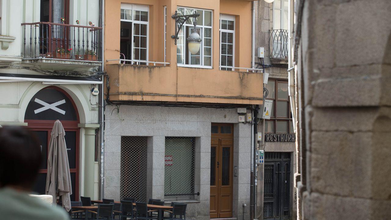 Desocupan dos pisos en Lugo tras 40 horas de tensión.El inmueble ocupado esta en la Praza do Campo