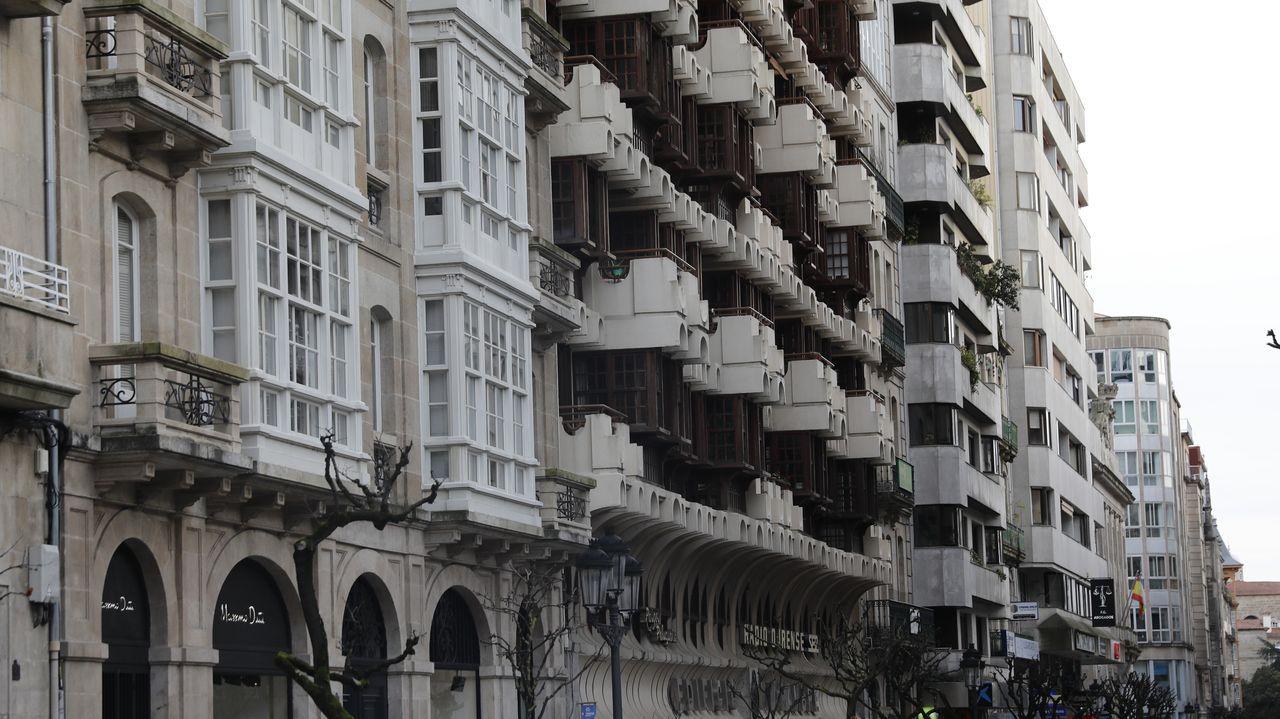 El edificio Viacambre está en la rúa do Paseo y fue diseñado por Juan Rodríguez de la Cruz