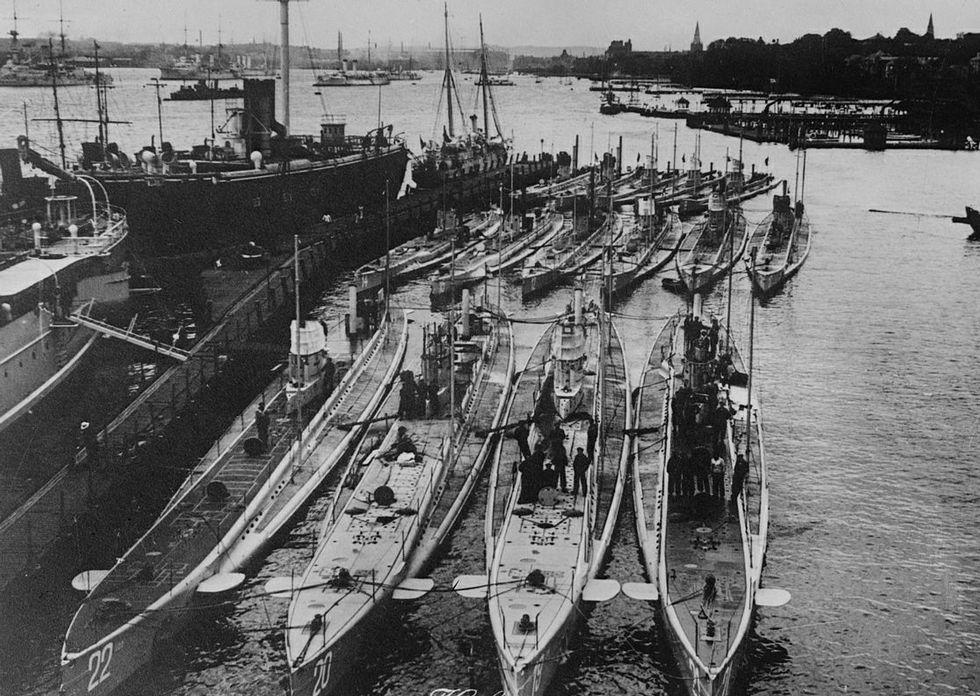 Cien años de la batalla de Somme, en imágenes.Submarinos alemanes de la Primera Guerra Mundial, uno de los cuales se refugió en A Coruña.
