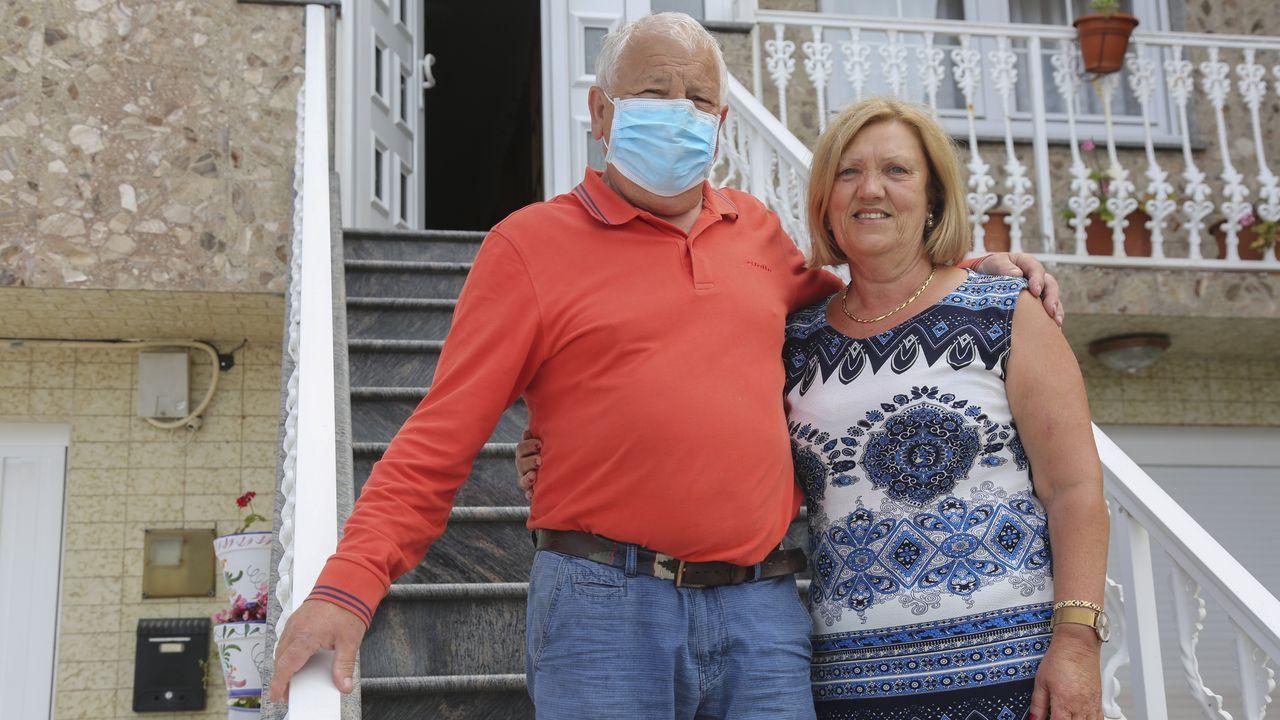 Los vecinos de Meréns reciben a Manuel Vázquez Moya, que pasó tres meses ingresados por el covid