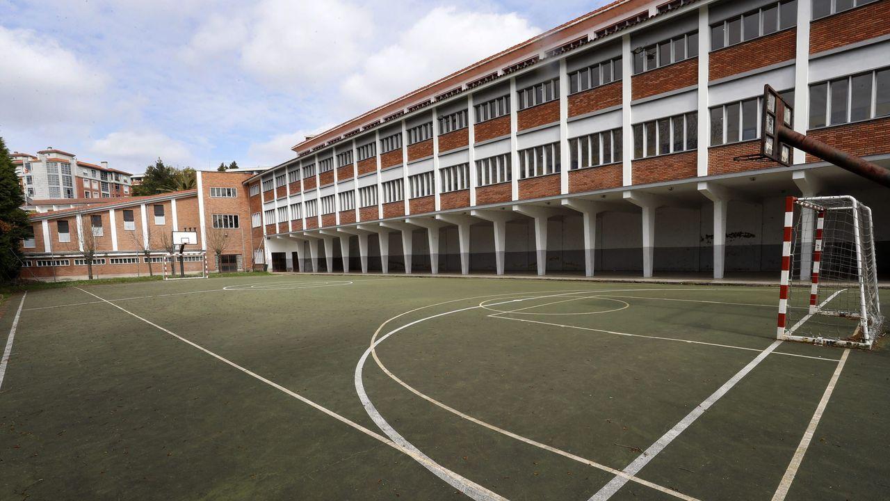 El poli marchoso entretendrá a los más pequeños con juegos. El colegio Fundación Masaveu de Oviedo