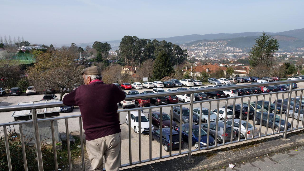 Vista desde el hospital de uno de los aparcamientos de pago del Montecelo