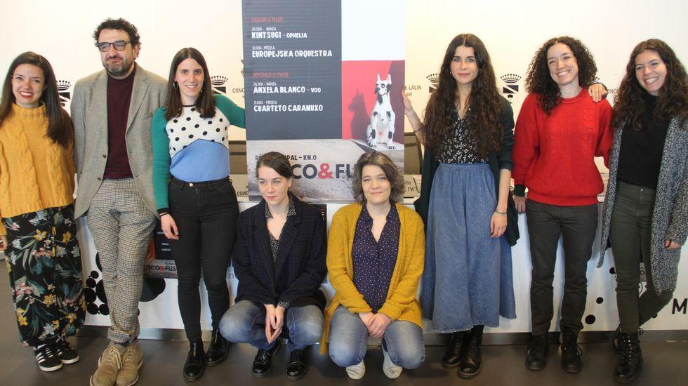 Los jóvenes diseñadores premiados en la Mostra do Encaixe de Camariñsa.Alijo de drogas aprehendido en un golpe policial este mes de abril, en la operación Basa, en Navarra, Aragón y el País Vasco