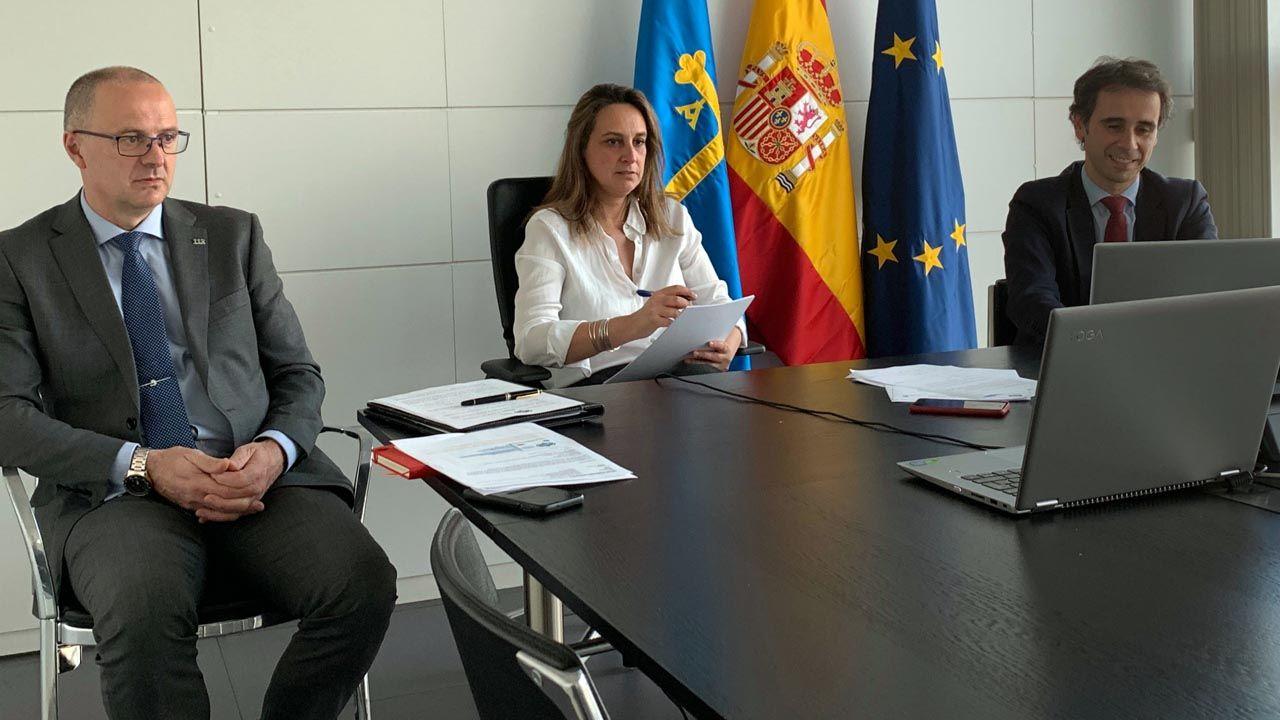 De izquierda a derecha, el gerente del Servicio de Emergencias del Principado (Sepa), Óscar Rodríguez; la consejera, Rita Camblor, y  el director general de Sector Público, Seguridad y Estrategia Digital, Javier Fernández