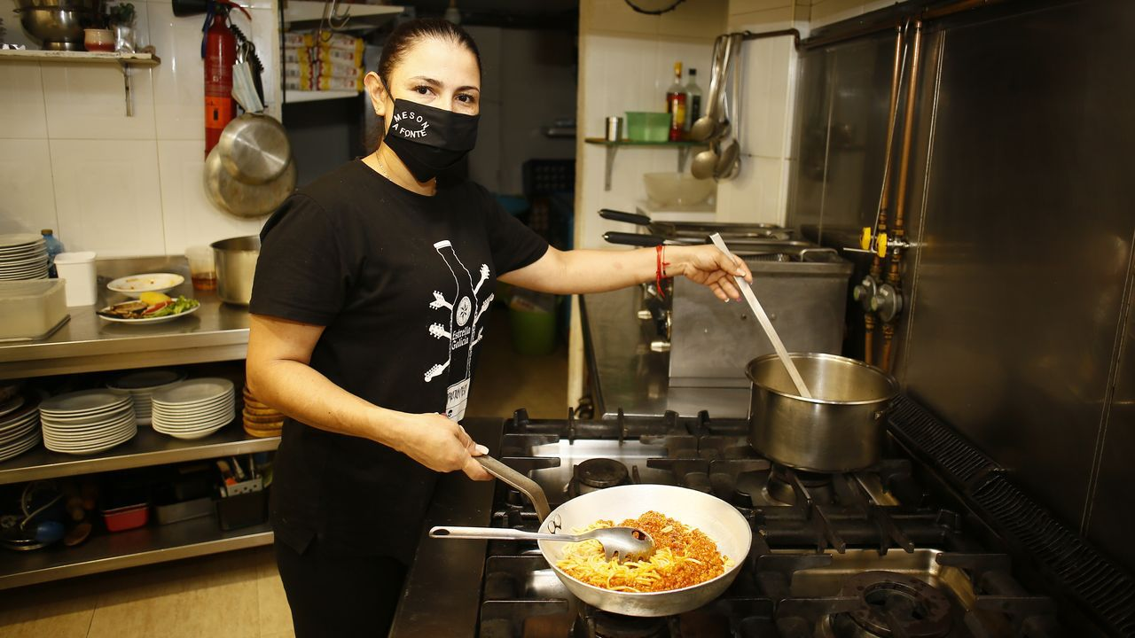El Mesón A Fonte, en Viveiro, abre la cocina ahora de 20 a 22.30 horas aproximadamente