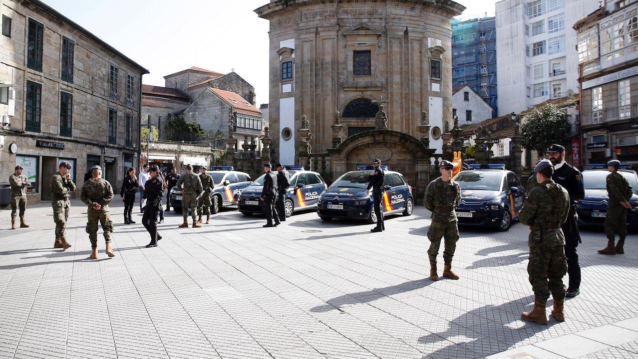 Una pareja intenta detener a dos ladrones que se dan a la fuga en A Coruña.Controles de la Policia Local y de la Brilat en las calles de Pontevedra