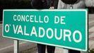 Familias de menores de O Valadouro que estudian en el IES de Alfoz reclaman cambios en las paradas del bus escolar