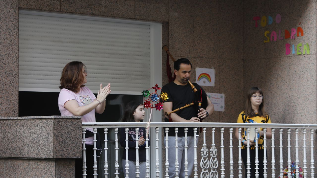 Óscar Varela toca la gaita 20 años después.Pilar pudo por fin visitar a su madre, que vive a quince minutos pero en otra provincia