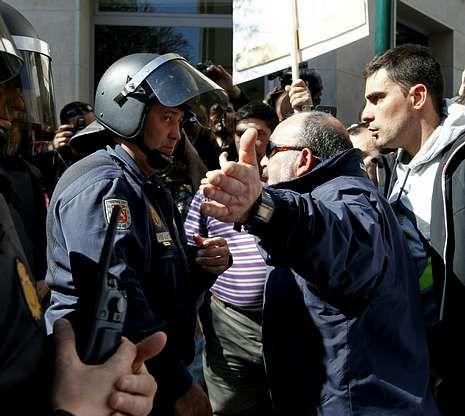 Felipe González nunca ha pensado que Pujol sea un corrupto.Greenpeace ha recurrido el fallo de TSJA ante el Tribunal Supremo.