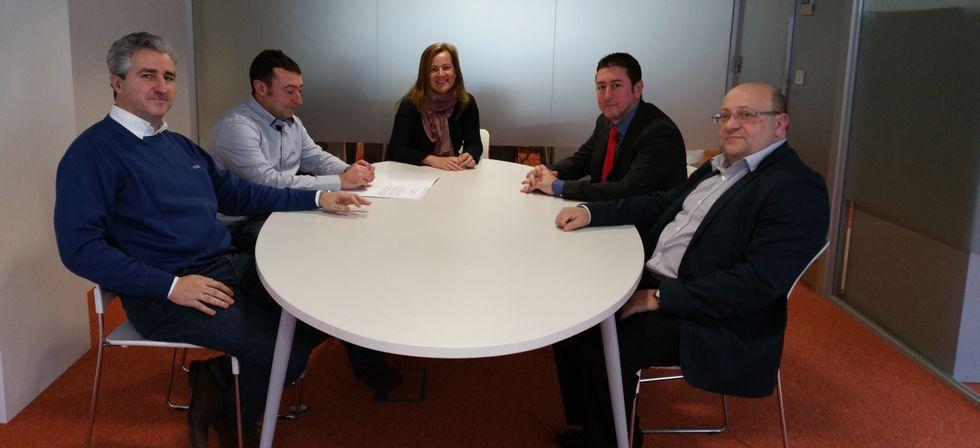 El jefe territorial  de Economía se reunió con miembros de  la firma.
