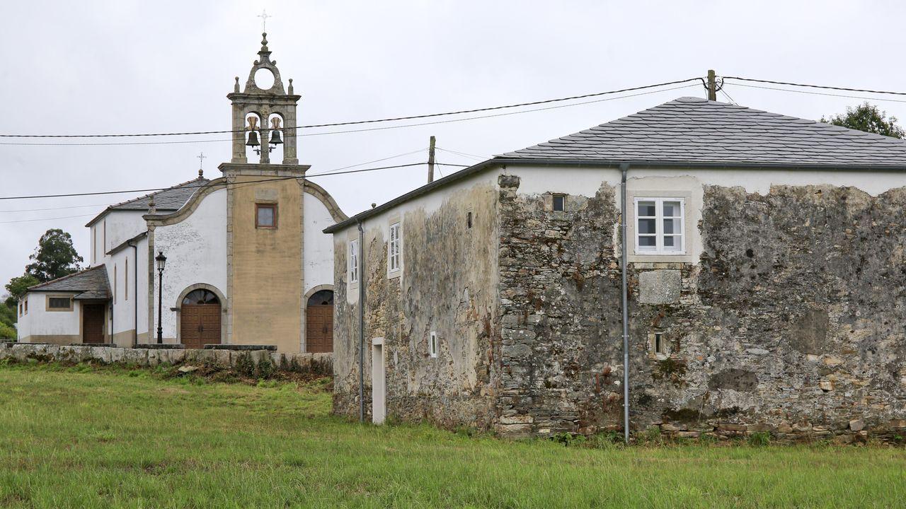 La rectoral de Santaballa fue comprada hace años por asociaciones de la parroquia