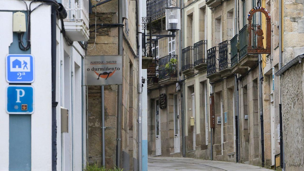 Foto de archivo de una calle del centro de Sarria