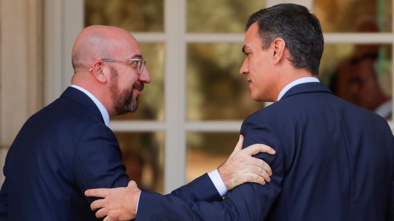 El temporal en Galicia.Pedro Sánchez, este jueves, con el presidente electo del Consejo Europeo, Charles Michel