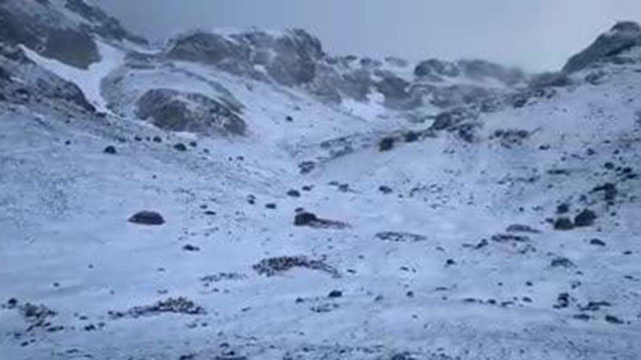 Nieve en Asturias en el mes de junio.La portavoz del PP, Teresa Mallada, durante el pleno