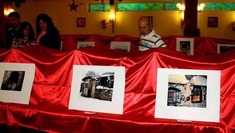La exposición puede verse en el Casino de O Barco