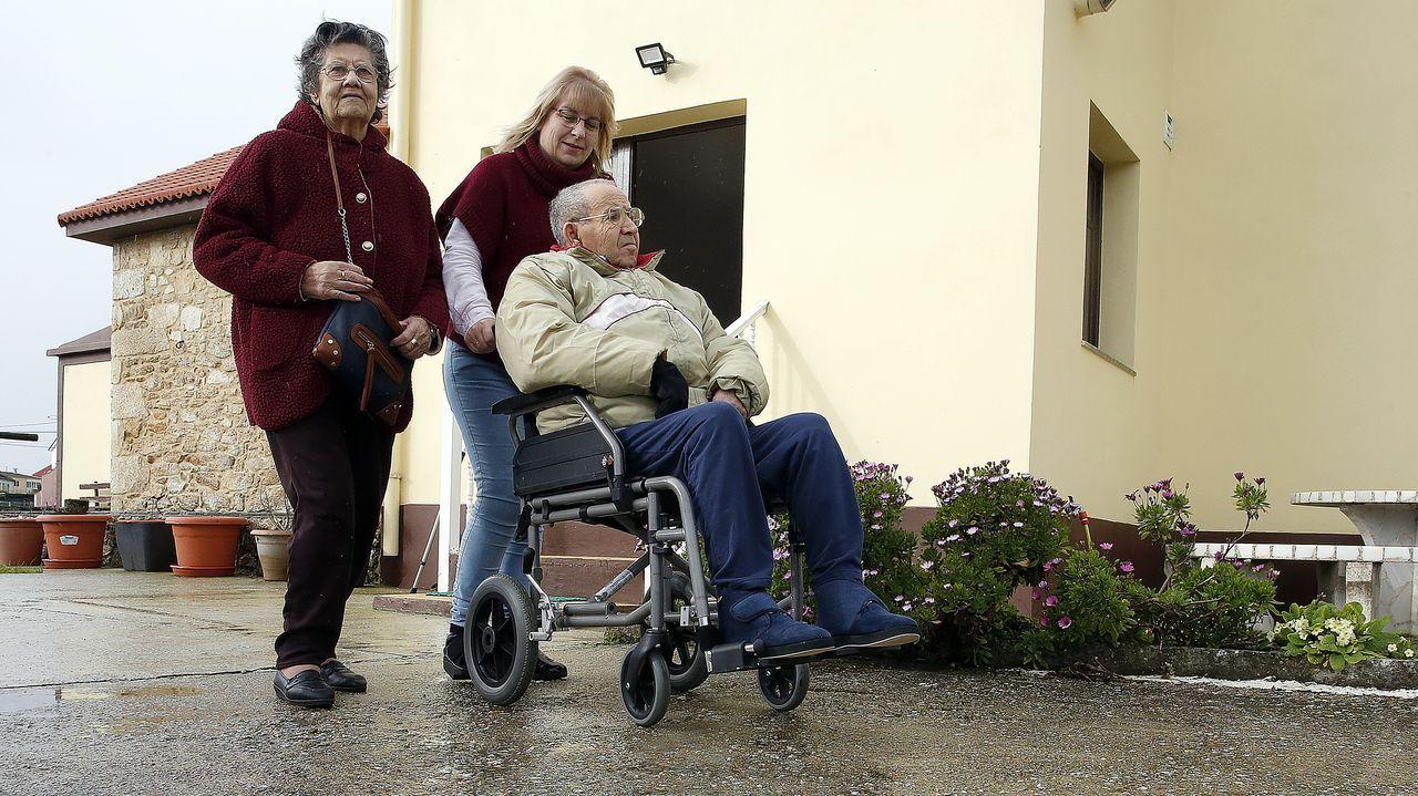 Las marchas del 8M llegan a Oviedo.Susana Figueirido y su marido se encargan desde hace cuatro años de cuidar a sus suegros