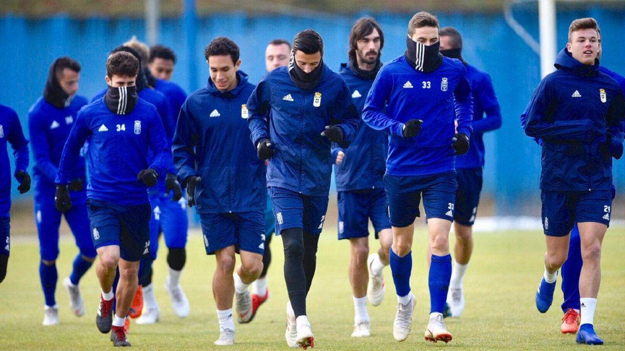 Anquela Real Oviedo Requexon.Los jugadores del Oviedo en El Requexón