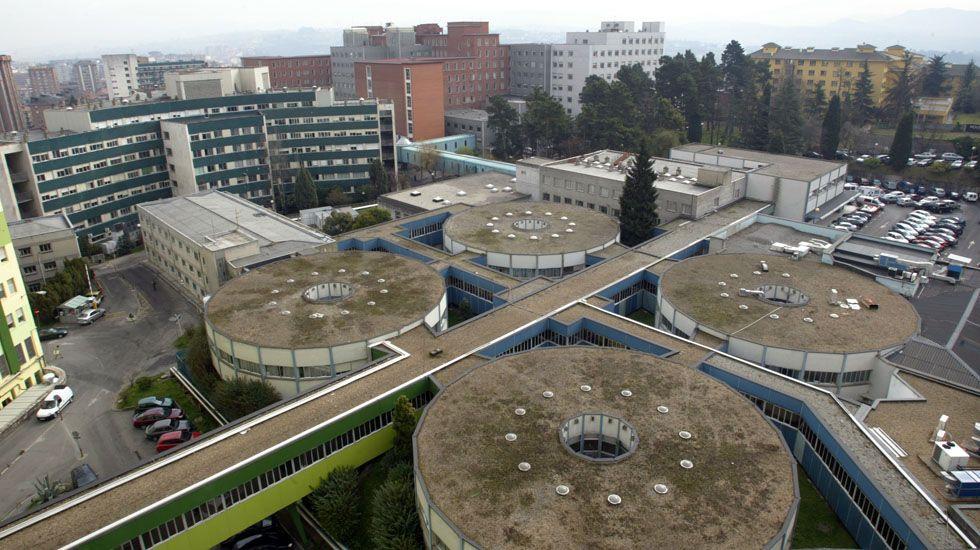 Vista de la antigua Policlínicas, en el viejo hospital (HUCA), en El Cristo.Vista de la antigua Policlínicas, en el viejo hospital (HUCA), en El Cristo