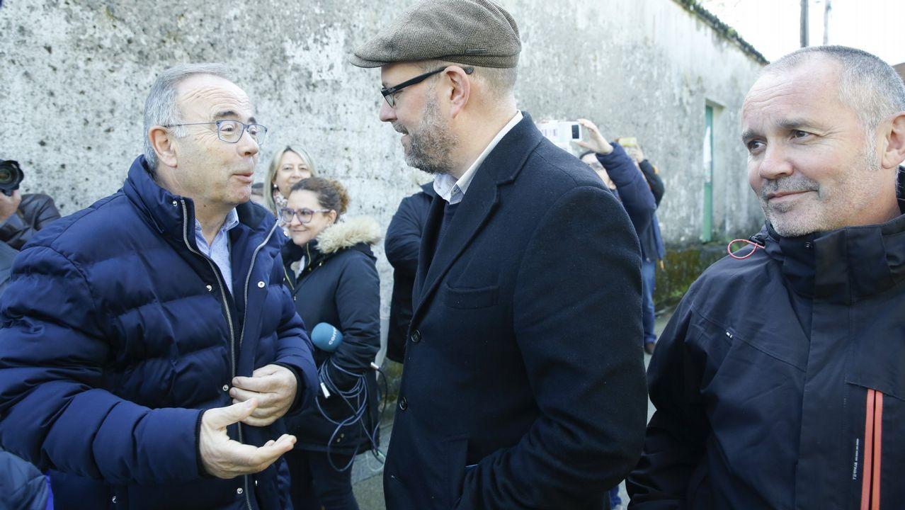 Marchena, primero por la izquierda, escucha el testimonio de la abogada Silvia Carmona, citada por la defensa