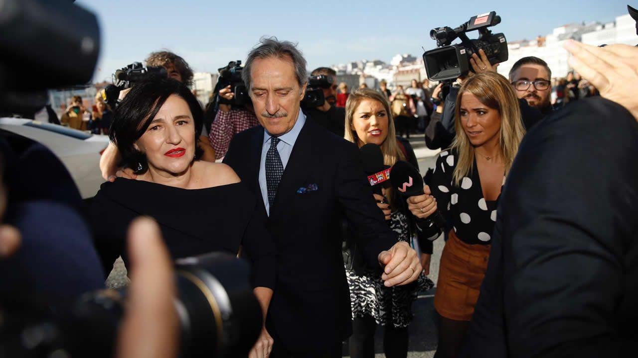 Los padres del novio a su llegada a la casa familiar de los Ortega