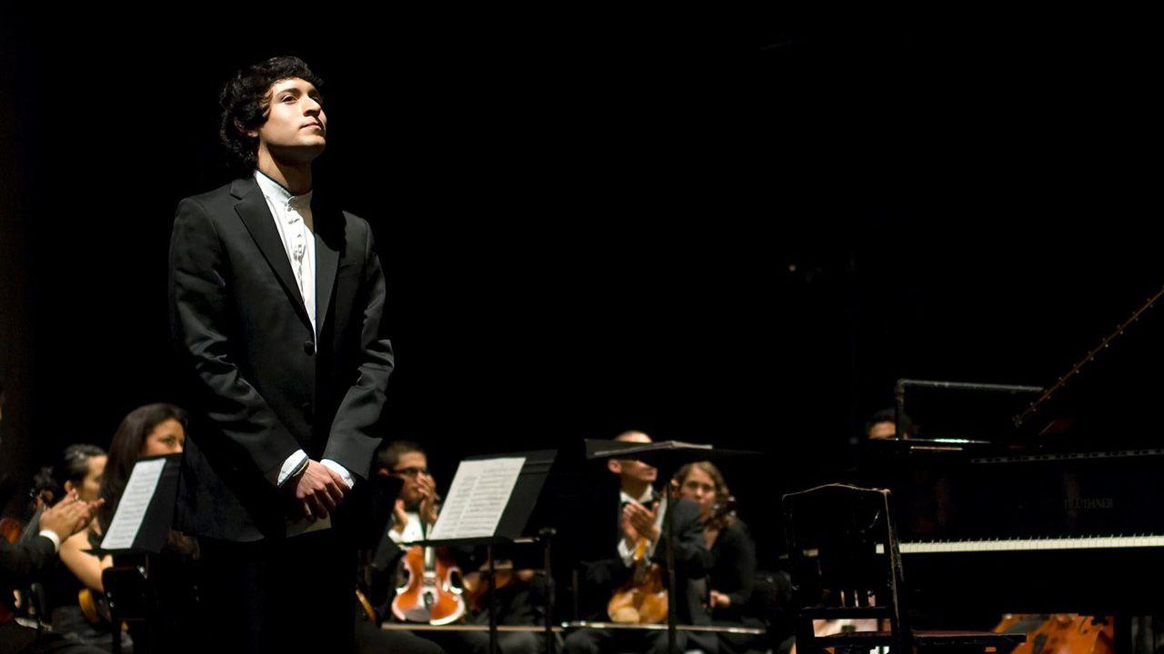 El pianista asturiano Juan Barahona, que abrirá la temporada de conciertos de la OSPA en Oviedo el próximo 15 de enero