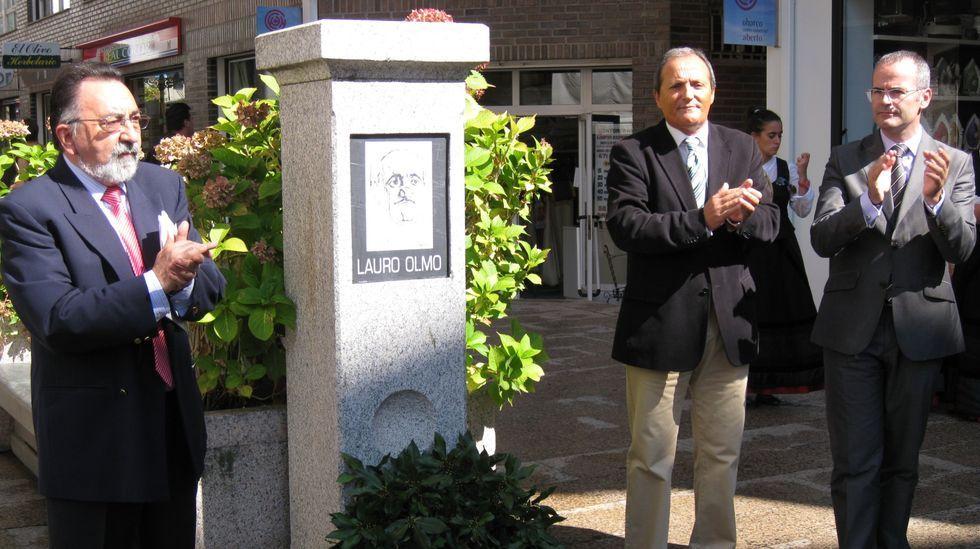 Florencio Delgado a través da arte.Imagen de archivo del homenaje que el IEV organizó a Lauro Olmo en el 2011