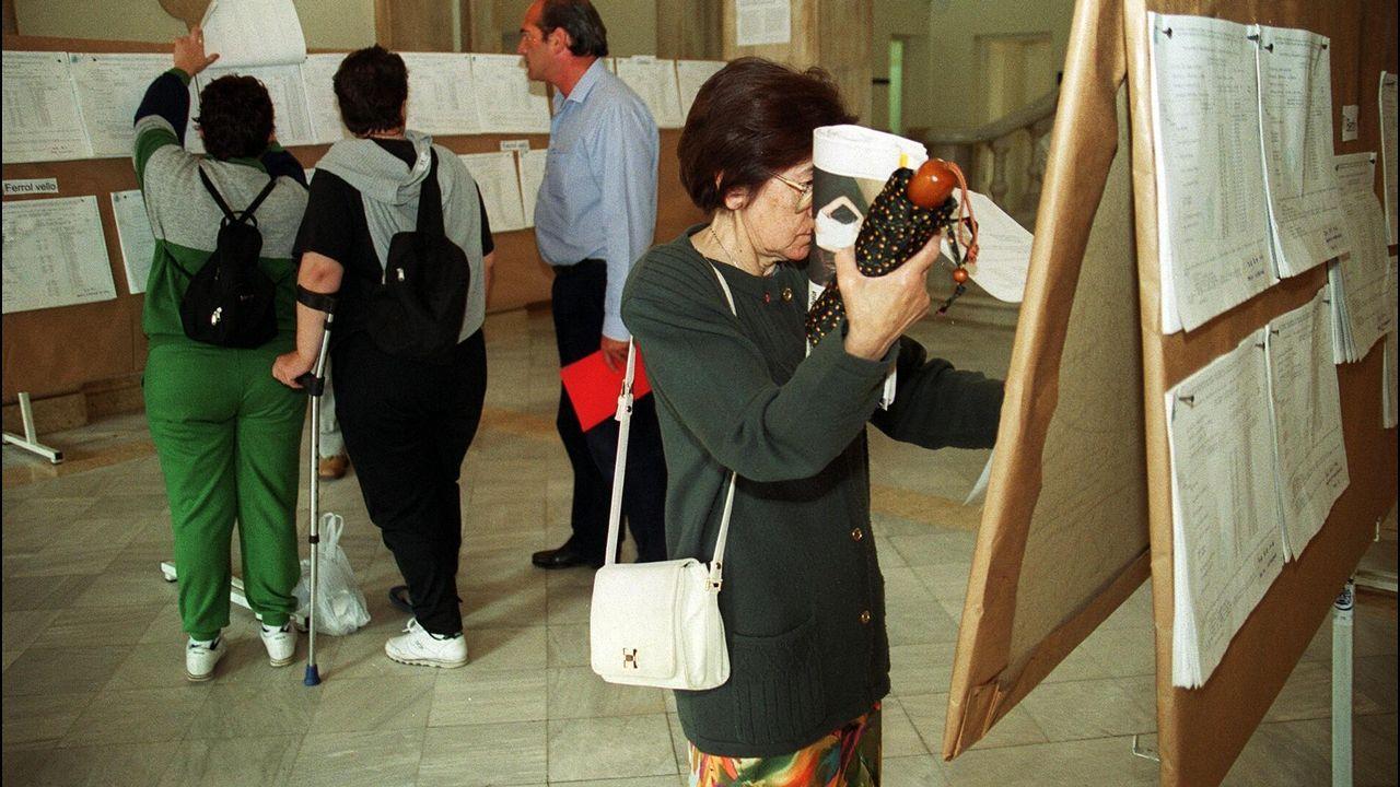 Un pujador anónimo paga casi 400 millones de euros por un cuadro de Leonardo da Vinci.Firma do armisticio que o 11 de novembro de 1918 puxo fin á Primeira Guerra Mundial, nun vagón de tren aparcado no bosque de Compiègne