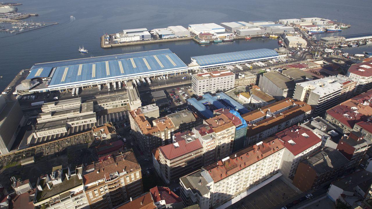 El 2018 también será recordado en Galicia por la noche del 13 de agosto, cuando, durante el concierto de clausura del festival O Marisquiño, parte de la estructura portuaria -que no había pasado ninguna inspección técnica- se hundió, dejando un total de 467 personas heridas.