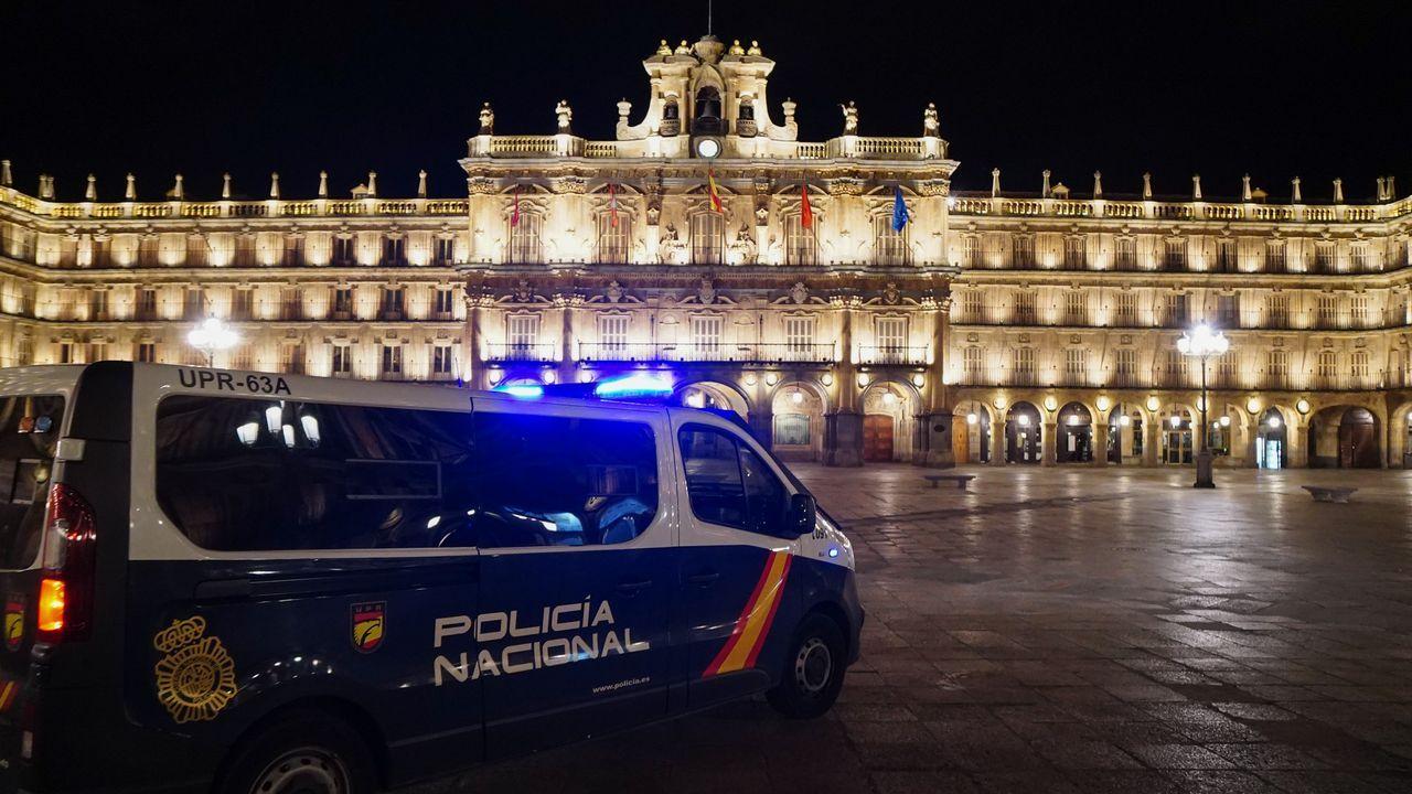 EN DIRECTO: Pedro Sánchez explica en qué consisten las nuevas restricciones.Plaza Mayor de Salamanca el sábado, primera noche con toque de queda en Castilla y León