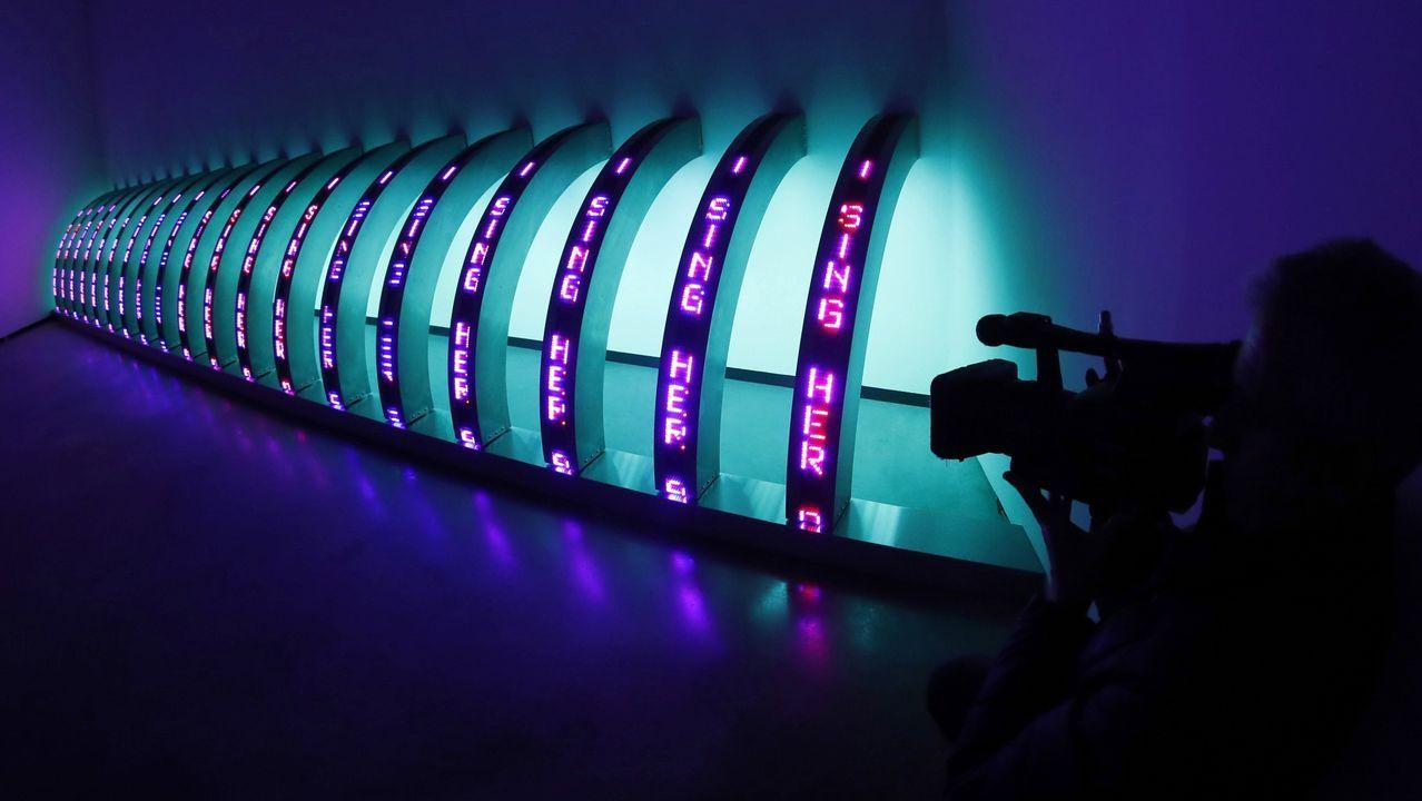 Una de las obras de Holzer que utiliza el led para transmitir sus mensajes de texto