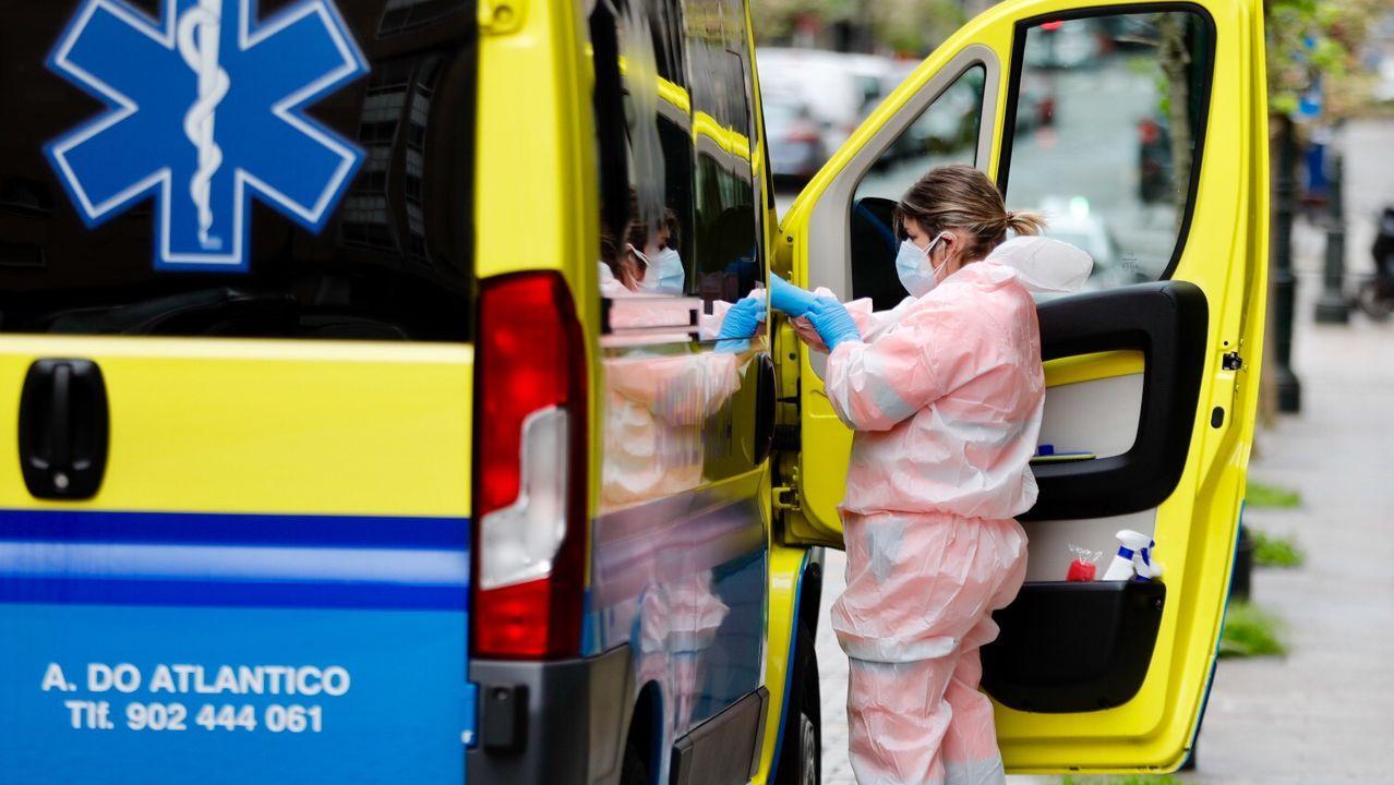 Día del trabajador marcado por el coronavirus en Vigo.El local de donación de sangre del Nicolás Peña, esta tarde